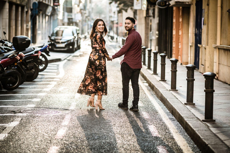 Fotos de pareja por el centro de Alicante